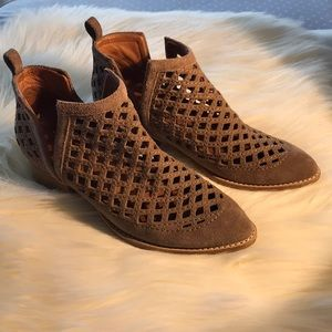 👣 Jeffrey Campbell Taggart Bootie 👣